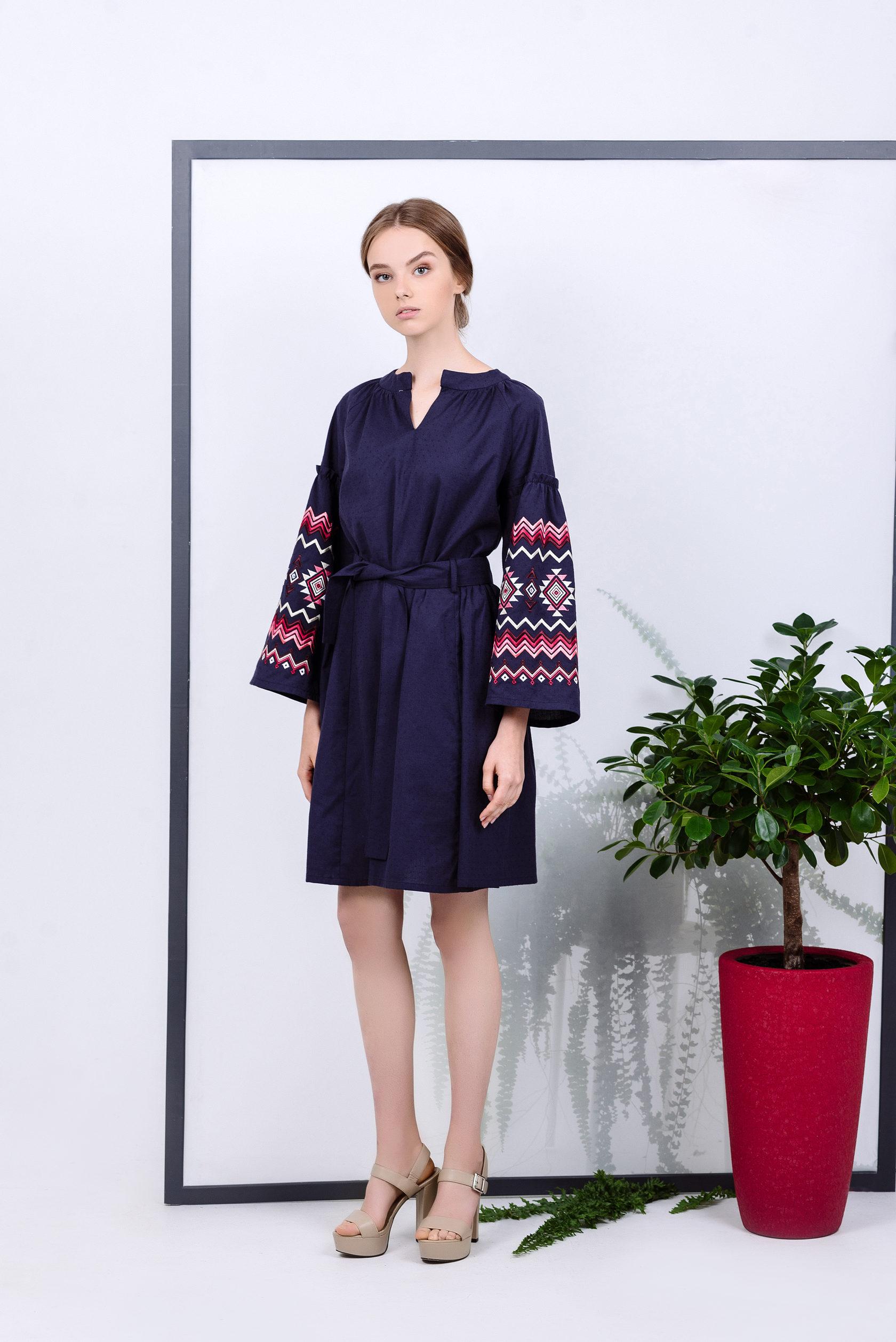 Таке плаття стане відмінним доповненням гардеробу. Сукня може  використовуватися в якості щоденного або святкового образу. f2d335f7540ee