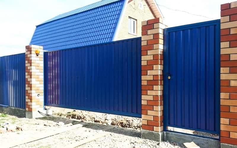 Откатные ворота из профнастила цвет синий