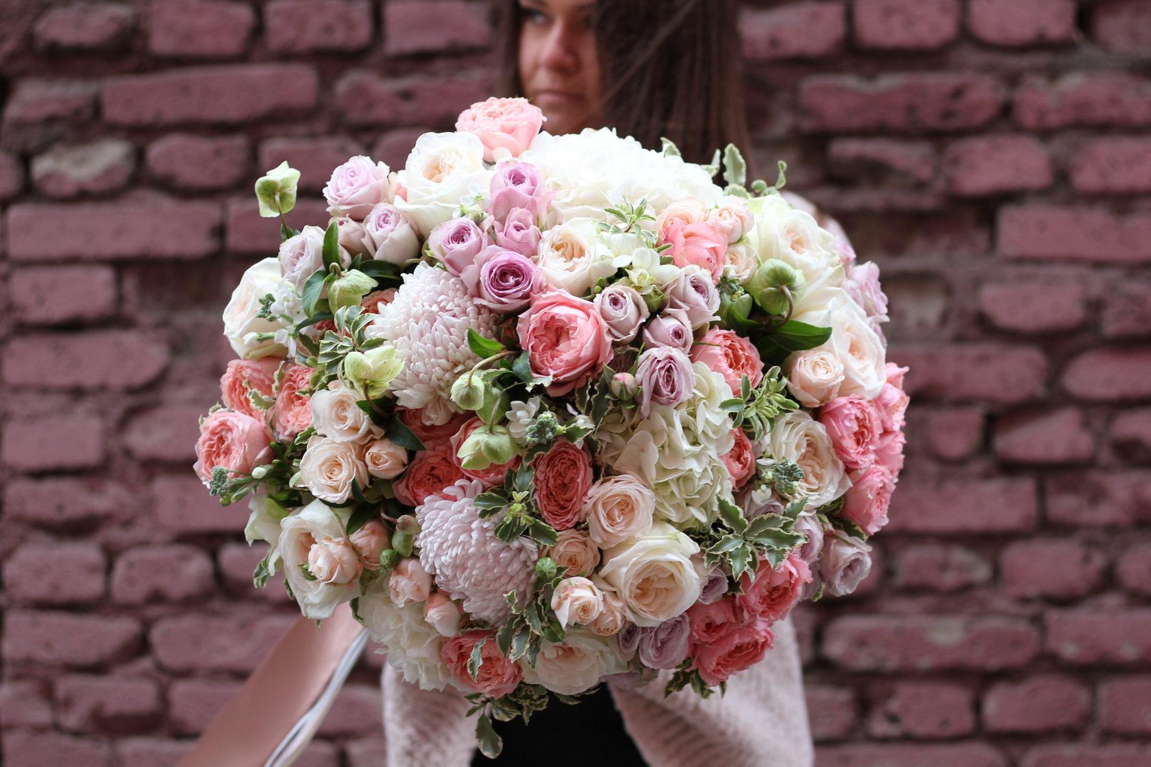 Цветов, самые большие и дорогие букеты