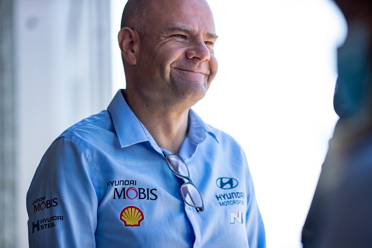 Руководитель Hyundai Motorsport Андреа Адамо, ралли Сардиния 2021