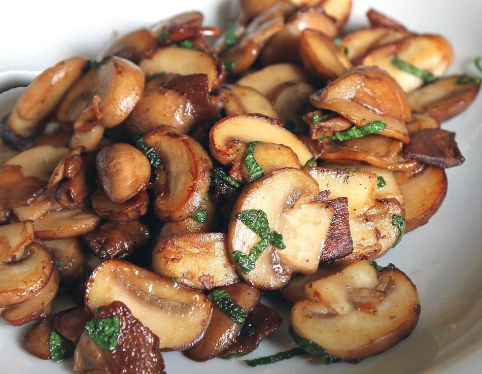 сколько жарить грибы на шампурах