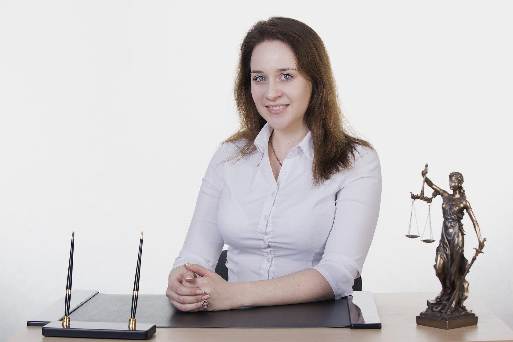 Профильный специалист объективно оценит состояние дел, разработает выигрышную стратегию и представит ваши интересы в судах санкт-петербурга.