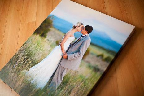 Печать свадебного фото на холсте