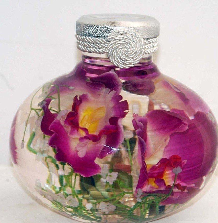 Живые цветы в банке с глицерином, 100 роз цена