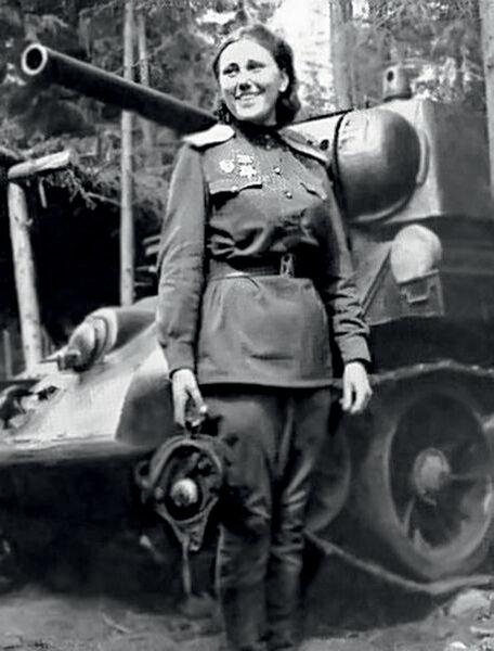 Александра Самусенко. Она погибла в Польше в марте 1945 года