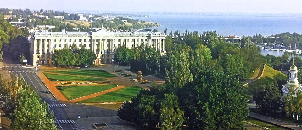 На здании Николаевского горсовета советскую звезду заменили на герб Украины - Цензор.НЕТ 5258