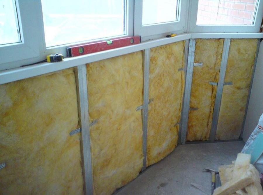 Утепление и обшивка балкона своими руками: видео инструкция.