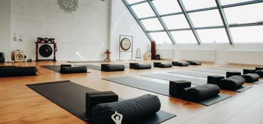 Рейтинг йога студий Киева