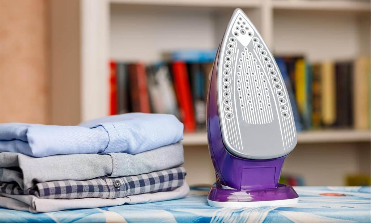 Вижте как да предотвратите появата на жълти петна при гладене на дрехите и как да премахнете петната от ютията в блога на Efrea - български производител на дамски дрехи.