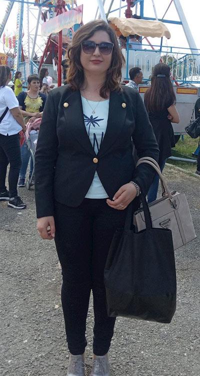 Елегантно черно сако и панталон от Ефреа, подходящи и за ежедневието