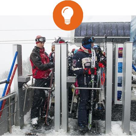 Сигнальные лампы сообщают сотрудникам о каждом факте прохода через турникет