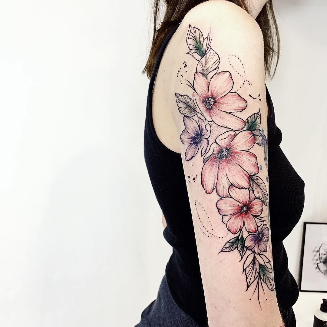 цветы на руке, женская тату, тату графика