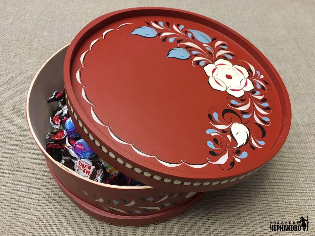 круглая шкатулка – коробка для конфет
