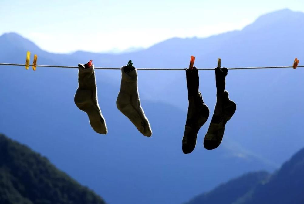 Как высушить носки в походе