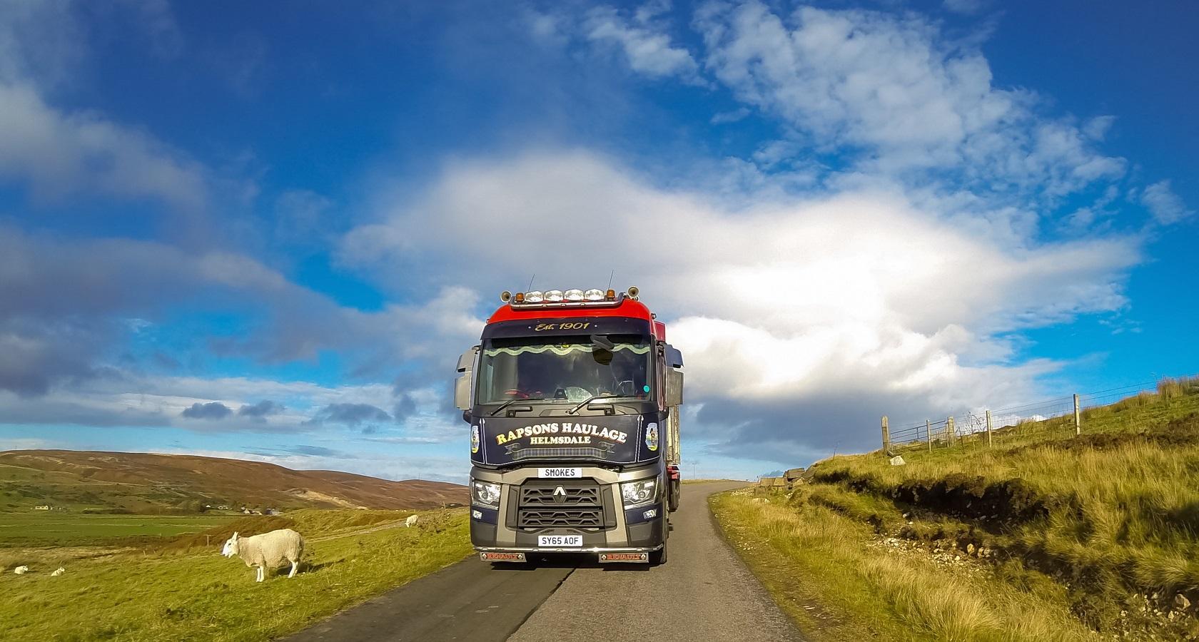Cнижение объема автотранспортных грузовых отправлений в ЕС компенсируется увеличением экспорта из России (фото: Renault Trucks)