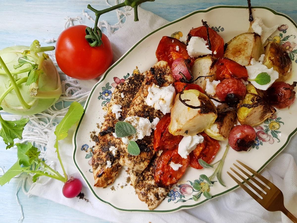 Запеченный кольраби и помидоры. Куриное филе с заатаром. Вкусный Израиль.