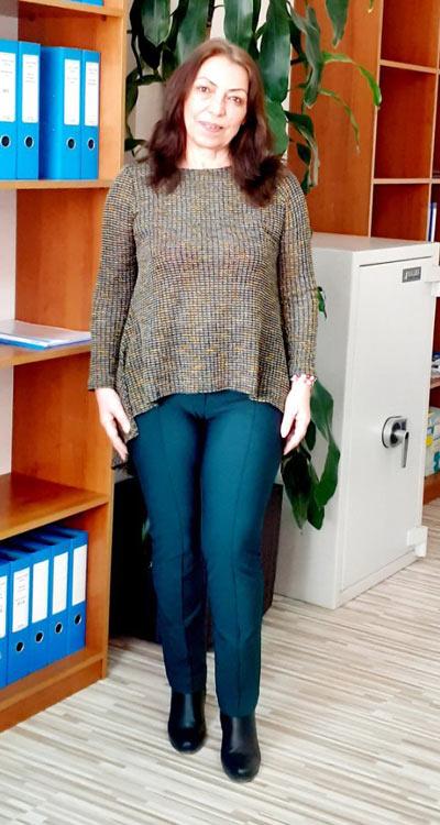 Модерен тъмнозелен дамски панталон от Ефреа.