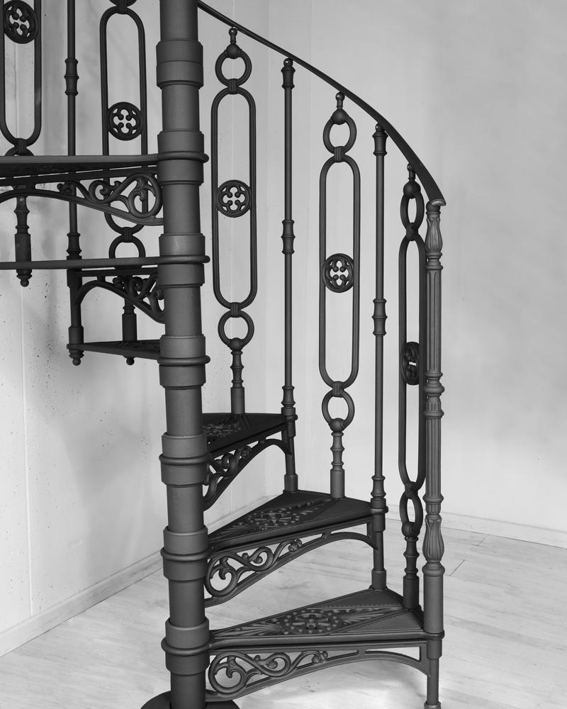 кованная винтовая лестница