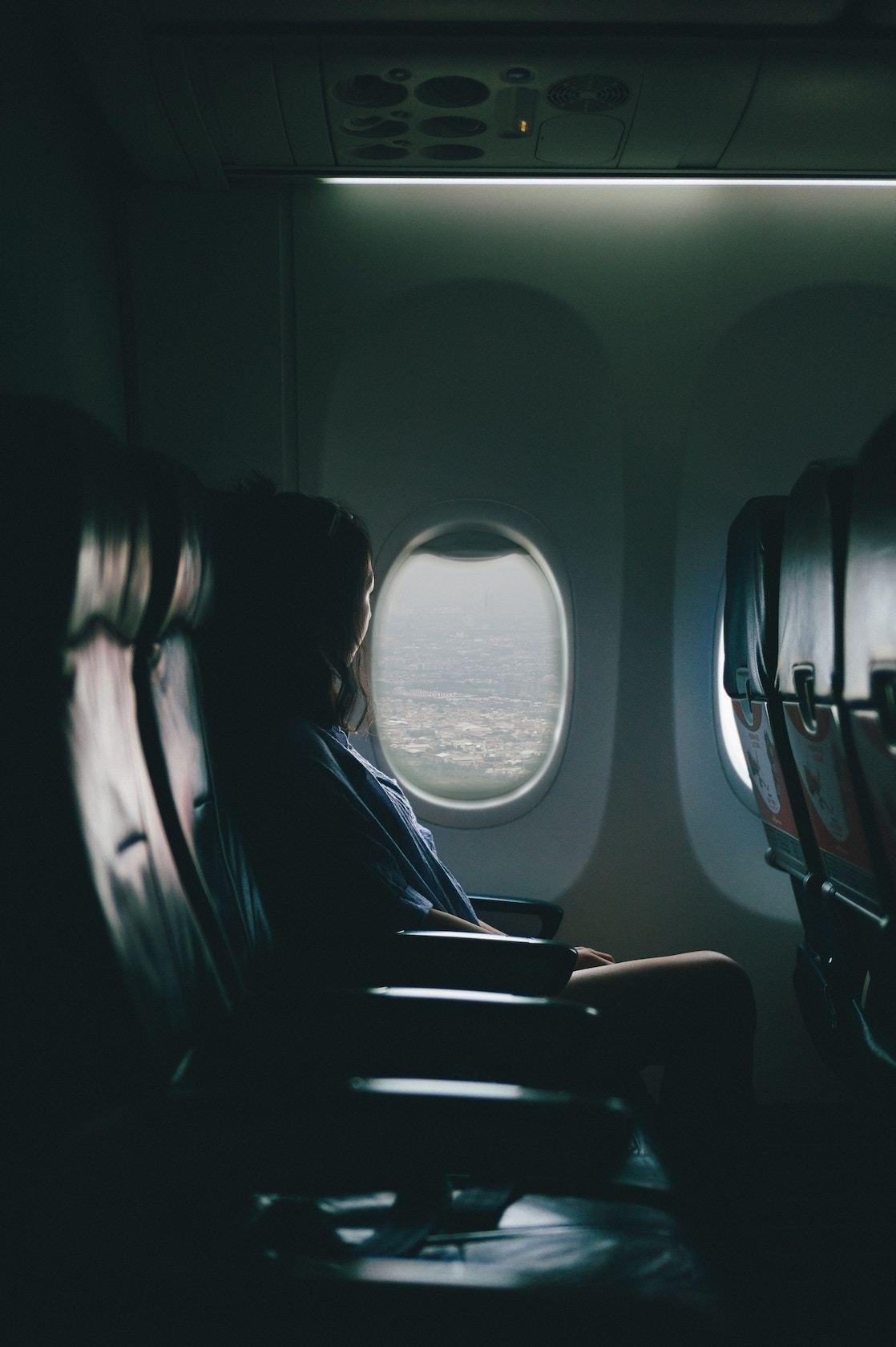 сильно хотелось фото девушек в самолете пробовал твердить его