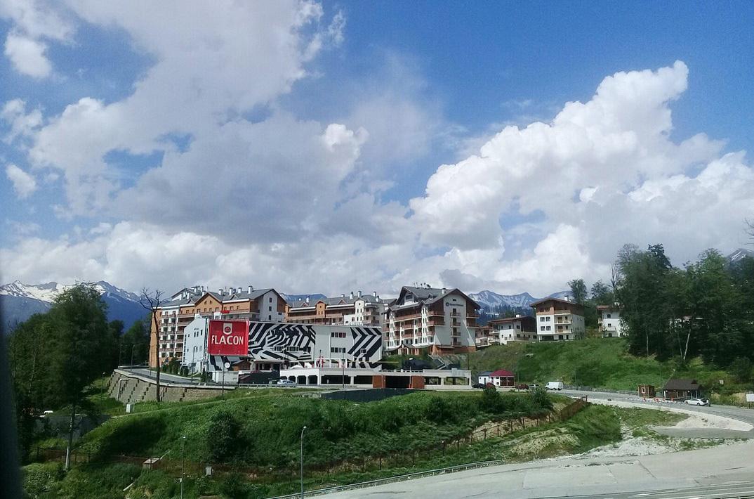 Олимпийская деревня фото красная поляна челочка