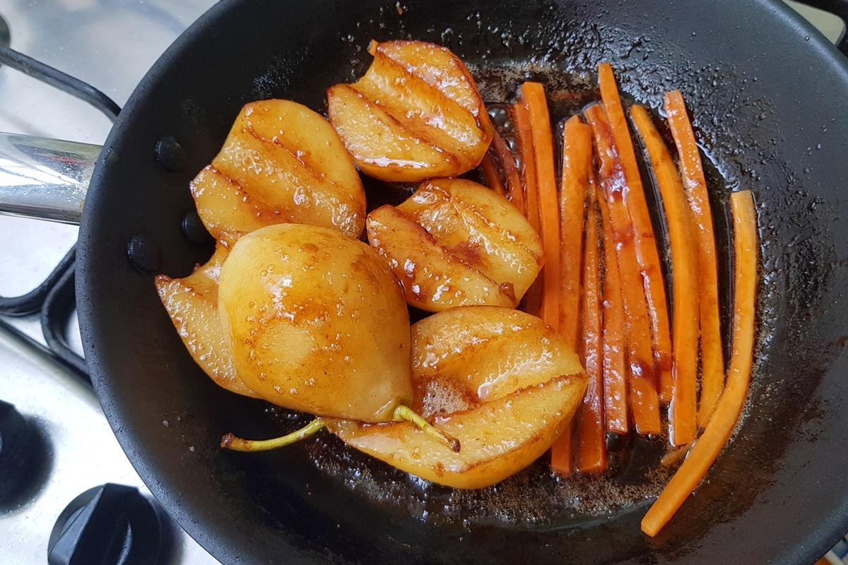 Груши и морковь в каремели. Рецепт с фото.