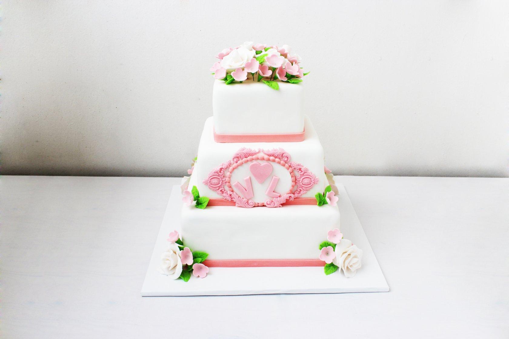 квадратные торты на свадьбу картинки его проекту