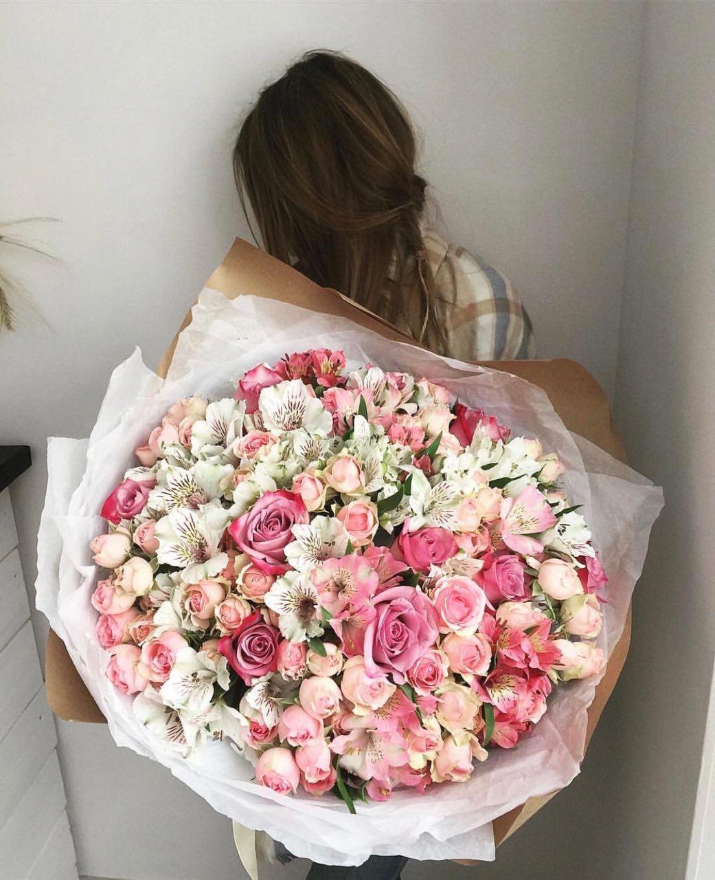 Букеты цветов в алматы
