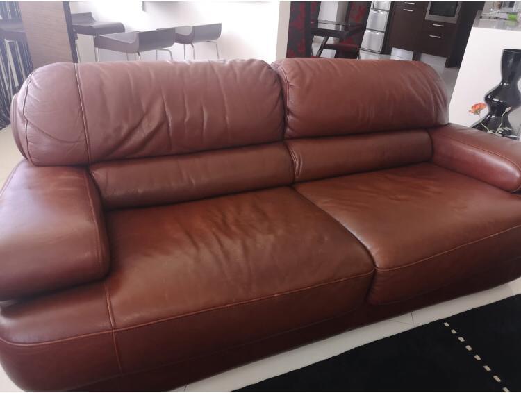 Покраска кожаного дивана с изменением цвета