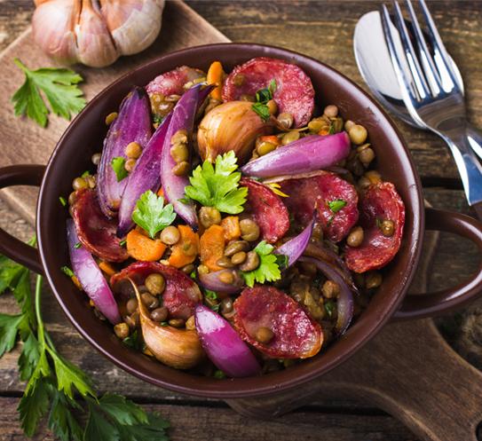 Екстра леща Krina с червен лук, моркови и чоризо