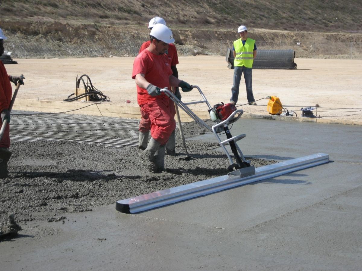 Виброрейки для бетона: назначение, принцип работы
