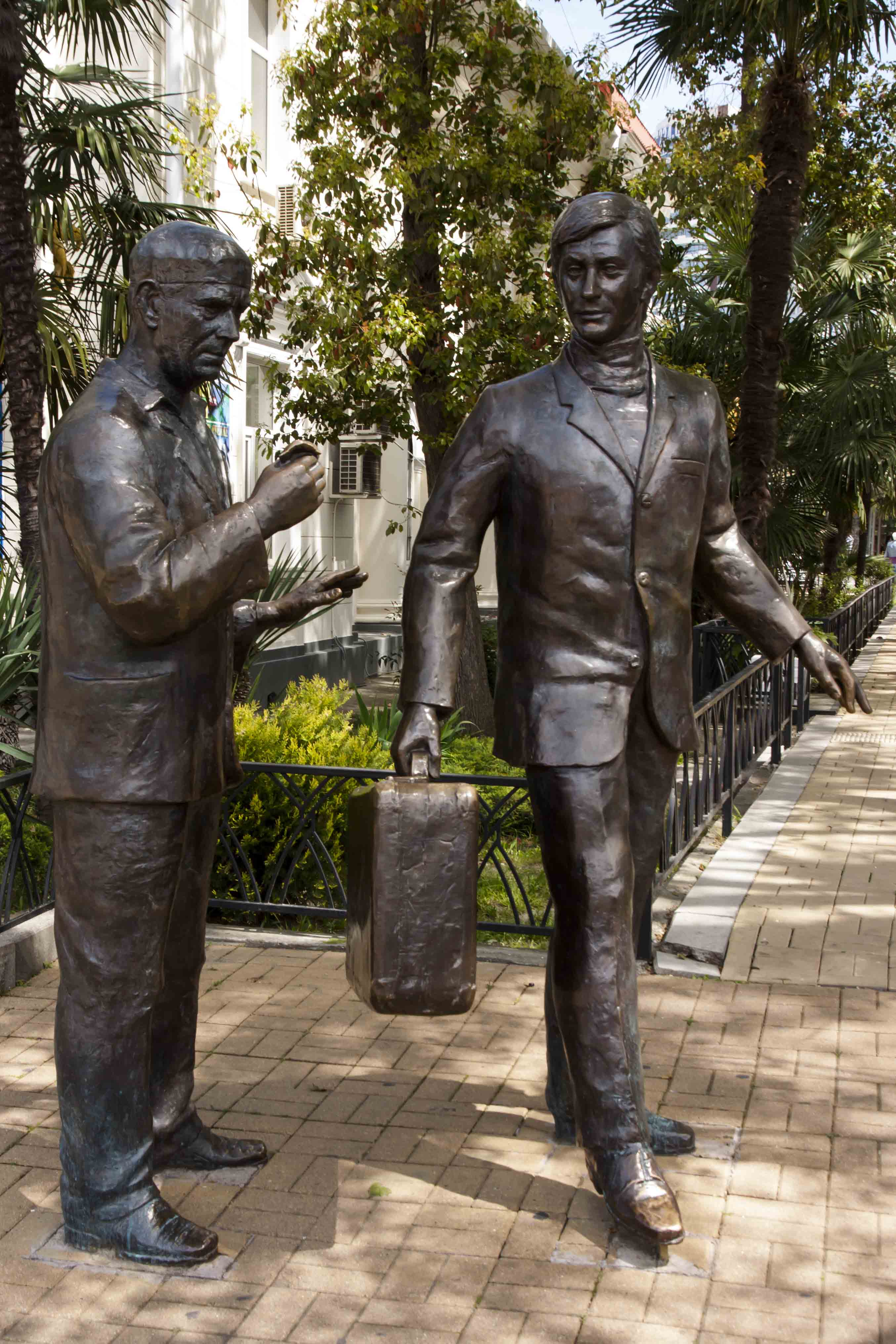 подкрашено нарядный адлер скульптуры фото простой