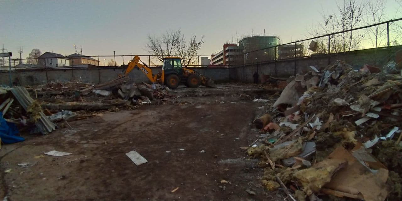 Демонтаж на территории Войковского района в Москве