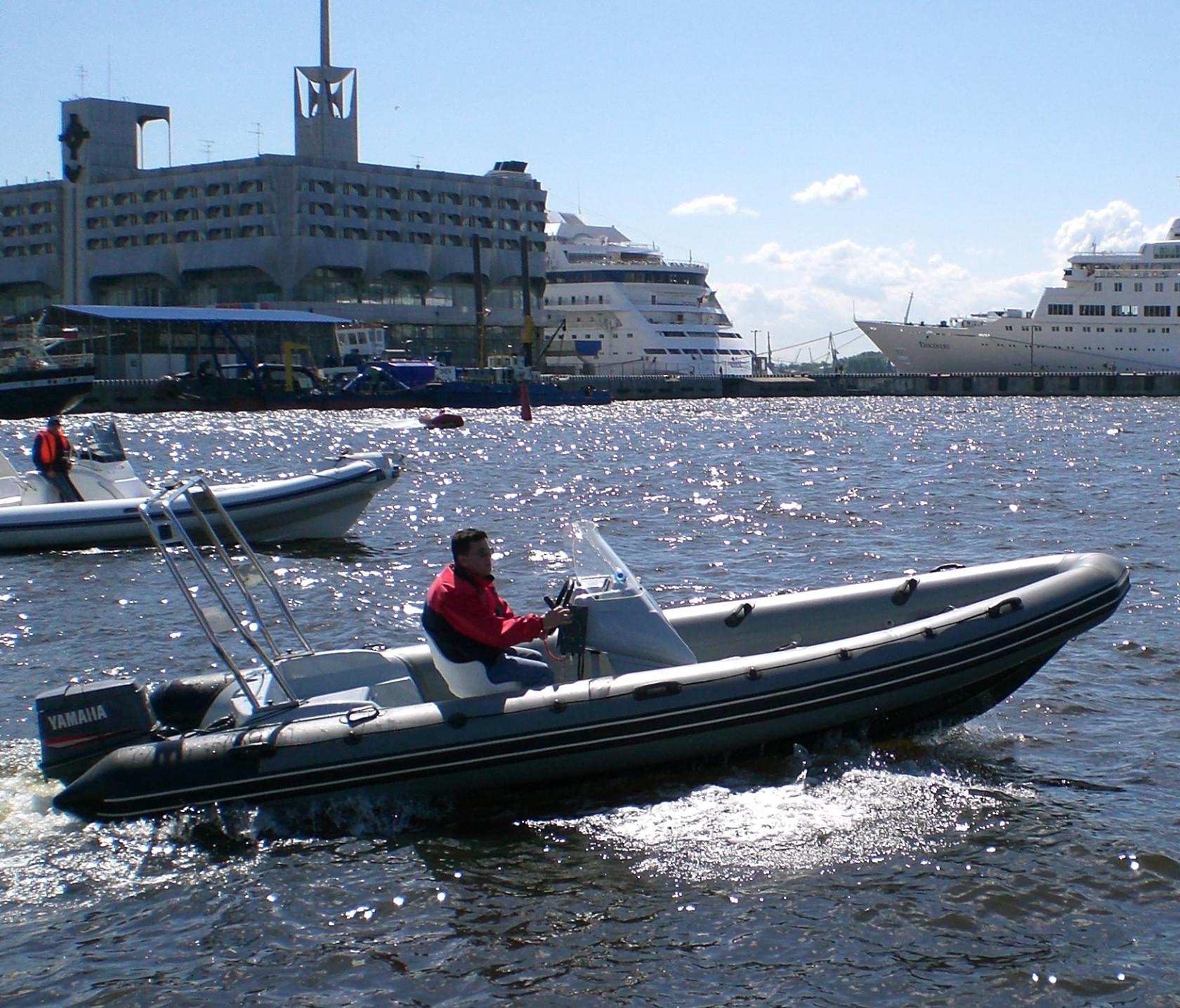 Стеклопластиковая лодка РИБ Cкаут