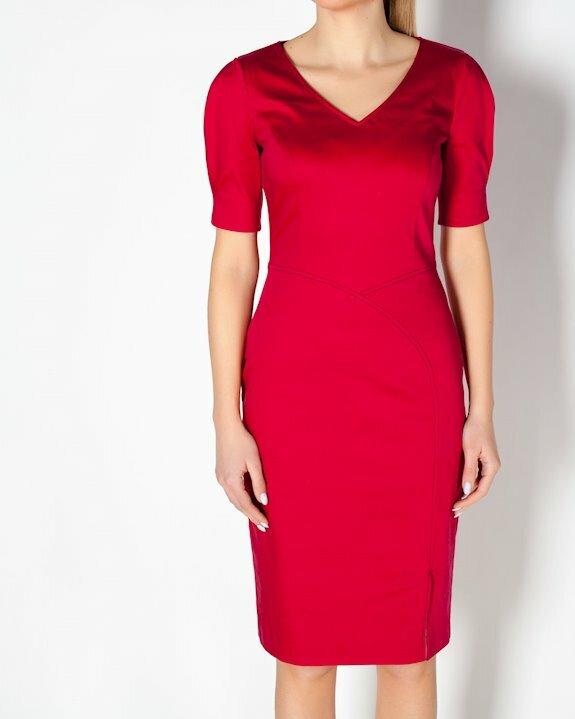 Червена рокля по тялото с къс ръкав от Ефреа.