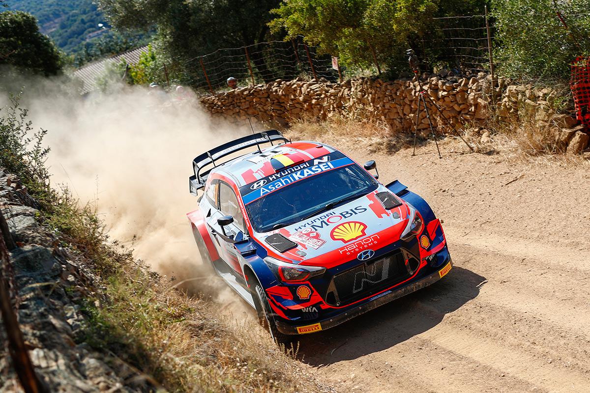 Тьерри Невилль и Мартейн Видаге, Hyundai i20 Coupe WRC, ралли Сардиния 2021