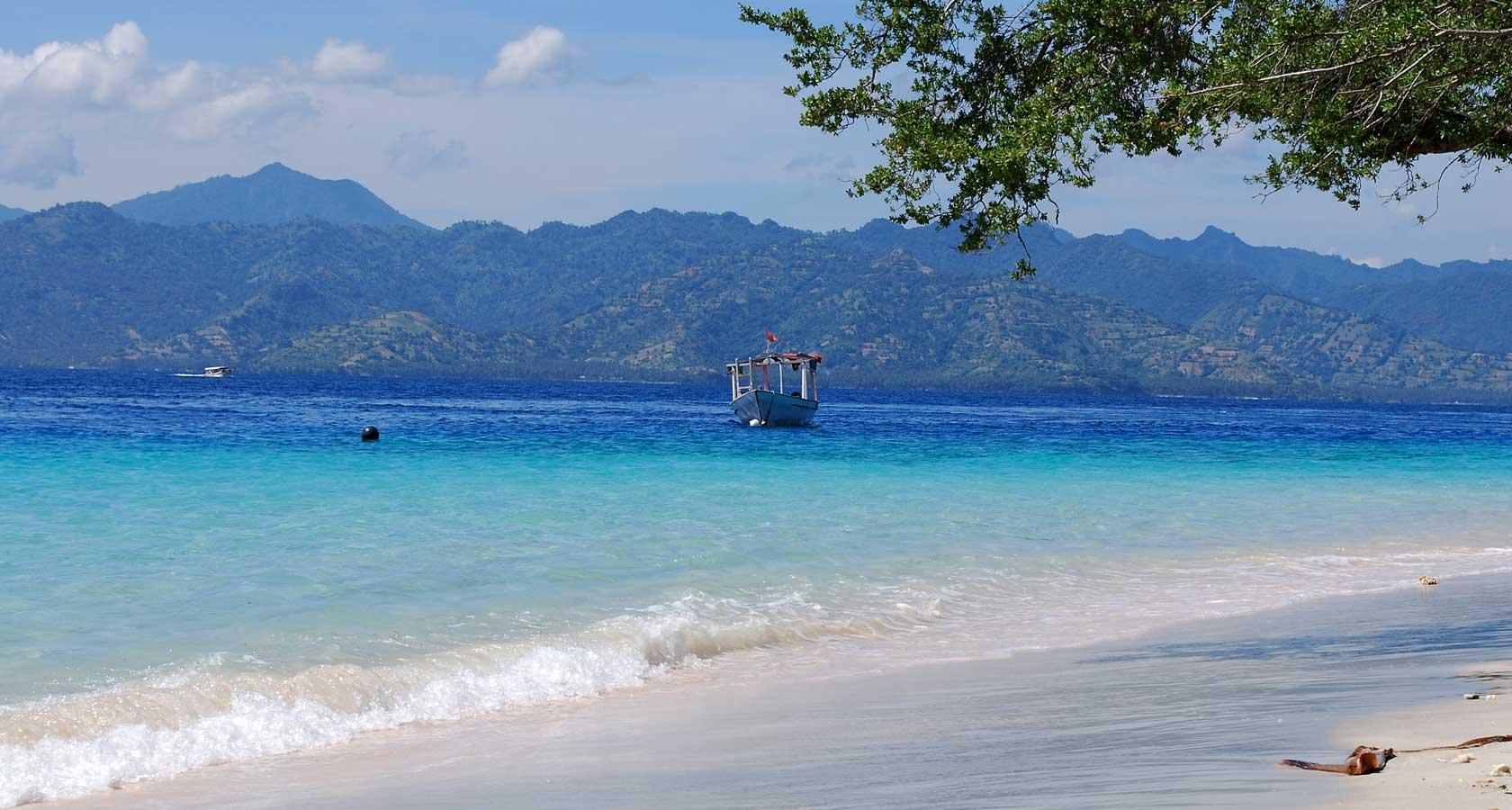 пляж острова гили траванган индонезия