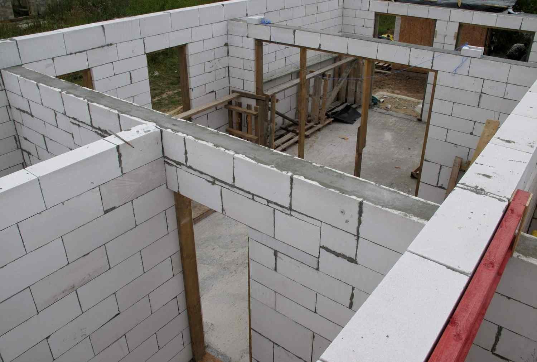 толщина стен бани из газобетона