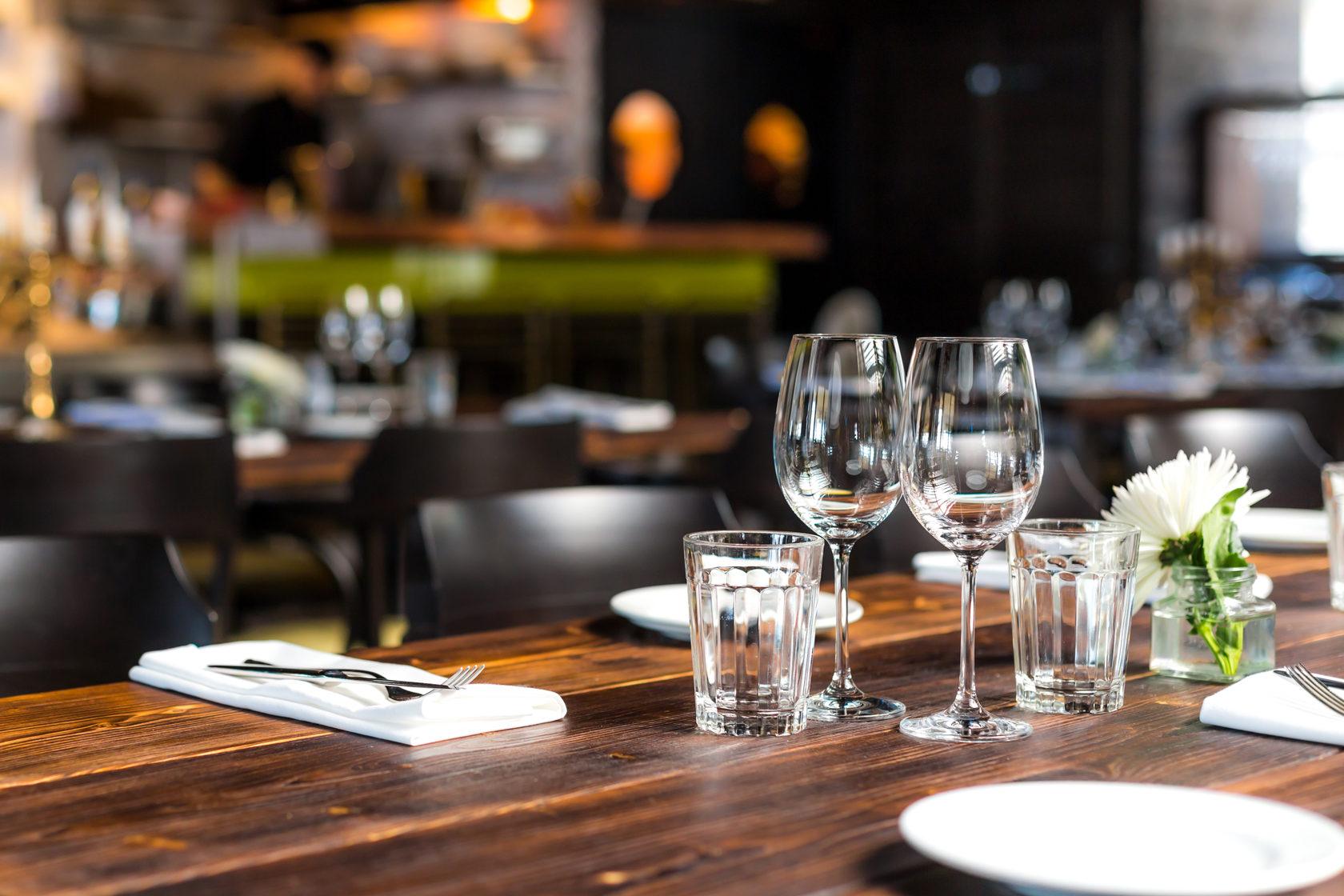 Картинка ресторанного столика