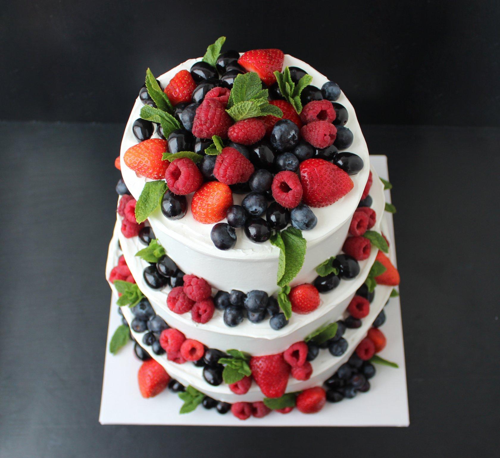 украшение торта свежими ягодами фото талант давно уже