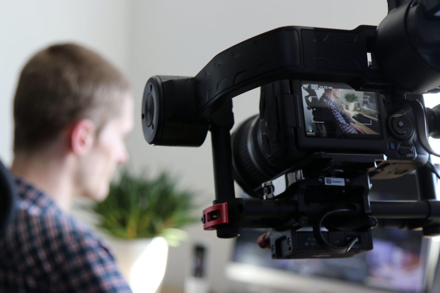 videorolik-odnopolovie-chelovek-on-plyus-on-porno-video