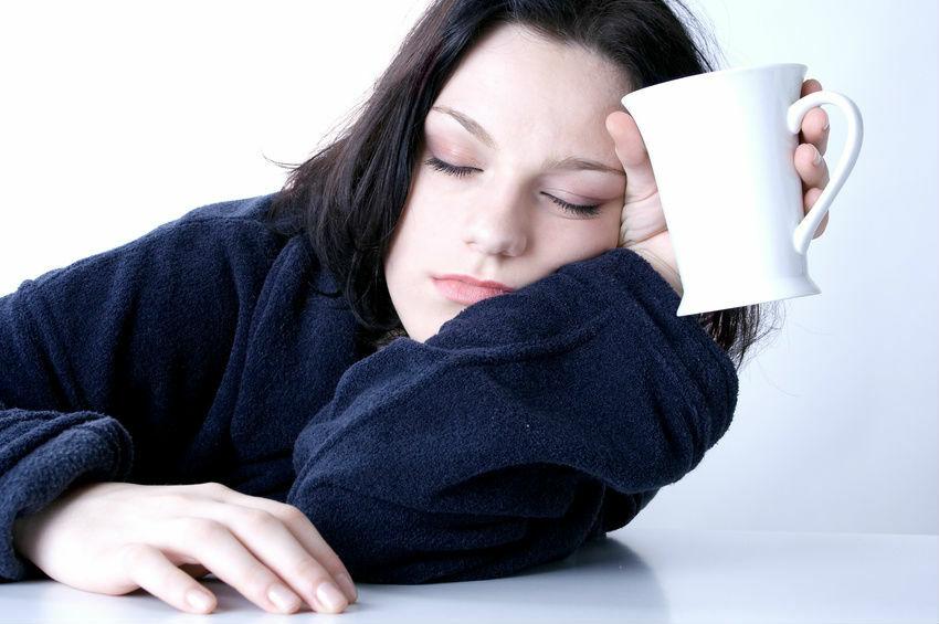 болит голова от недосыпа
