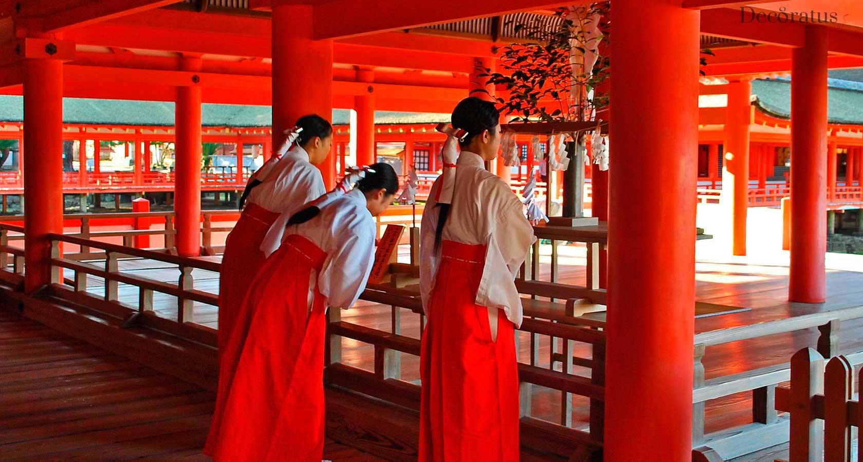 храм ицукусима япония