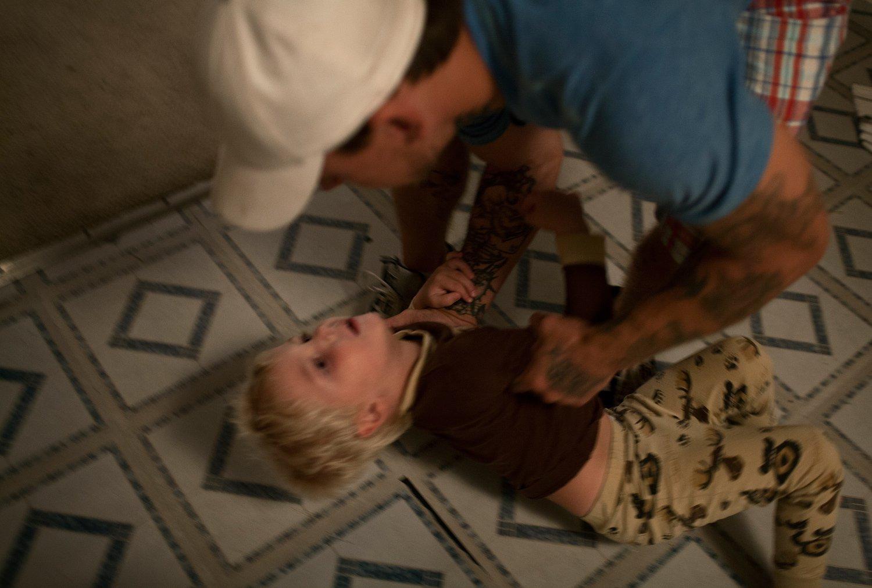 Похищение с аналом, Похищение анал - видео rating Flesh Hole HD 25 фотография