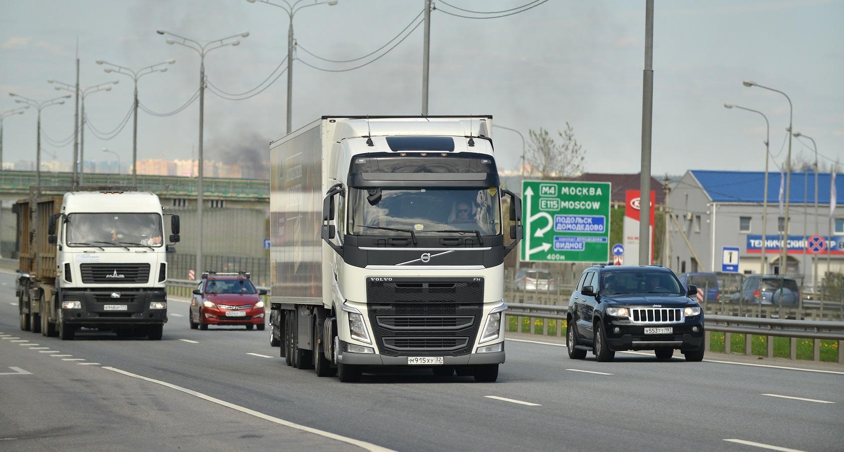 На фоне роста рынка грузовых автомобилей новая законодательная инициатива Минпромторга может защитить интересы отечественных производителей (фото: Денис Хуторецкий)