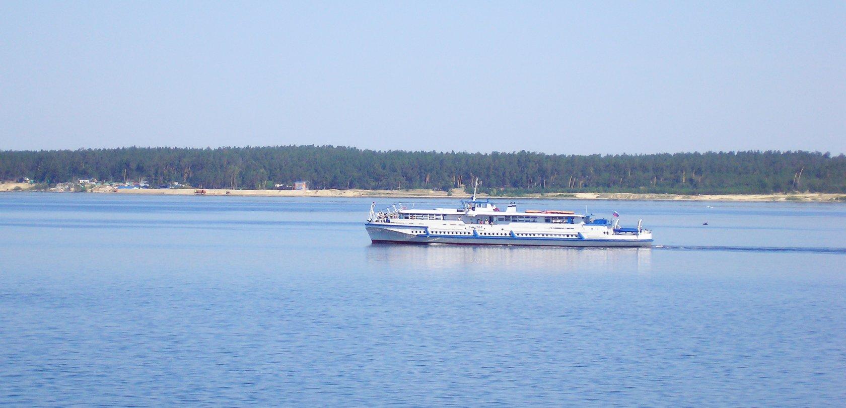 Поездки на левобережный пляж и в Сосновку от Чебоксарского речного порта