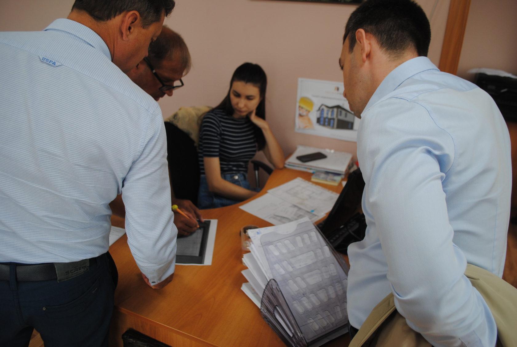Обсуждение деталей проекта в команде Легенград