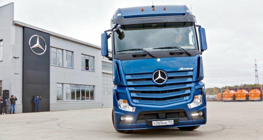 У «Деловых линий» самый большой парк транспортных средств марки Mercedes-Benz из всех российских грузоперевозчиков (фото: Mercedes-Benz Trucks)