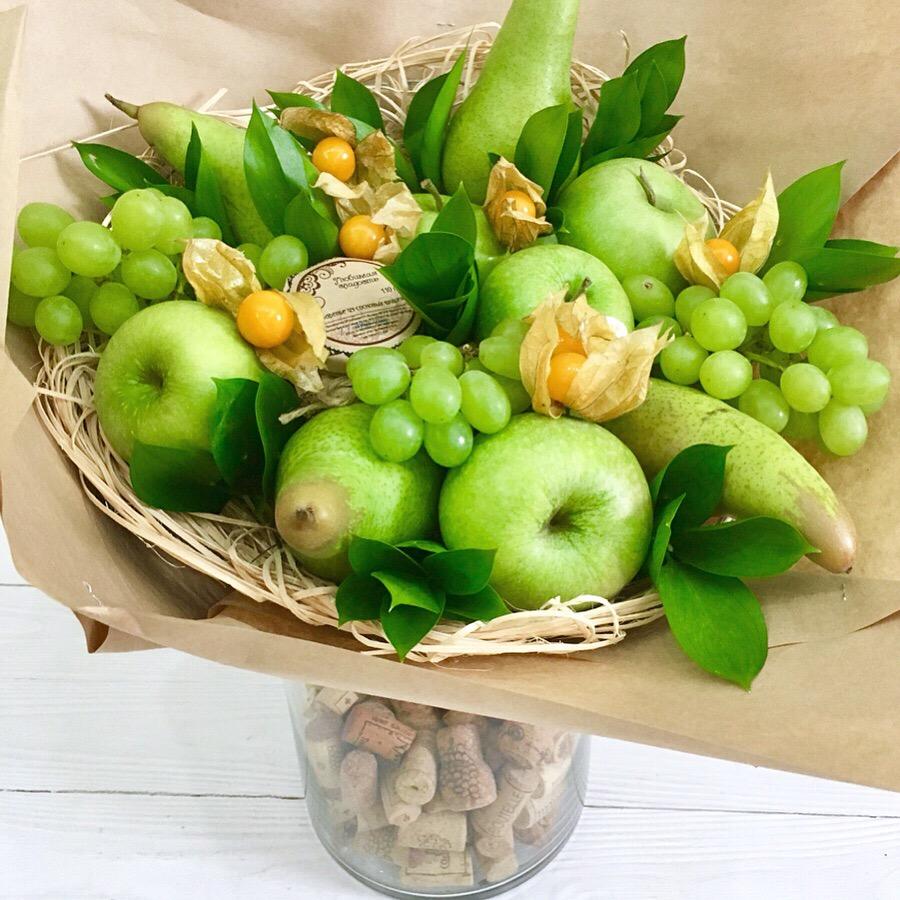 Роз, букет из яблок и груш