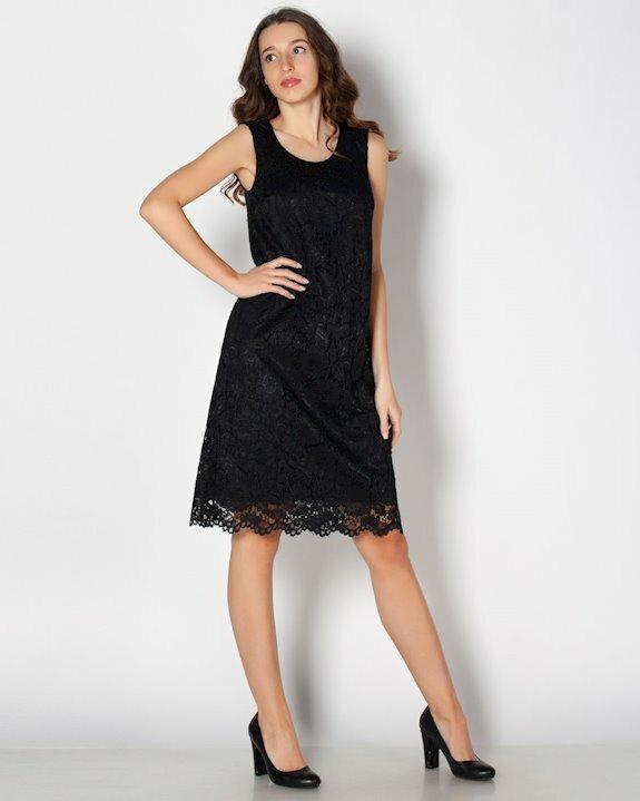 Малка черна рокля от дантела в А силует без ръкав. Виж още евтини официални рокли в Ефреа разпродажби.
