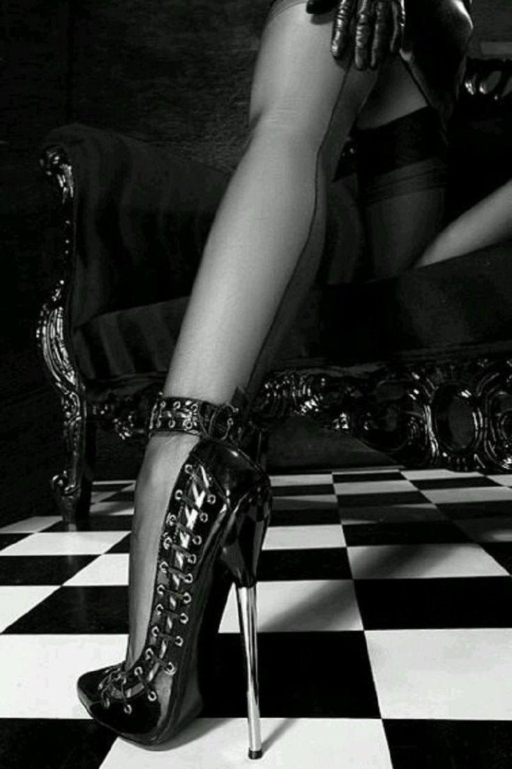 В ногах у госпожи фото, порно широкая жопа видео